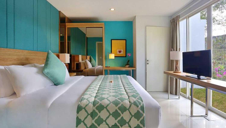 Warna sejuk cat dalam rumah minimalis karya Monokroma Architect [Sumber: arsitag.com]