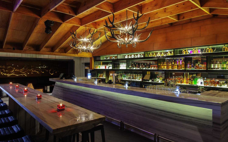 Sekilas Pengantar Tentang Desain Bar | Foto artikel Arsitag