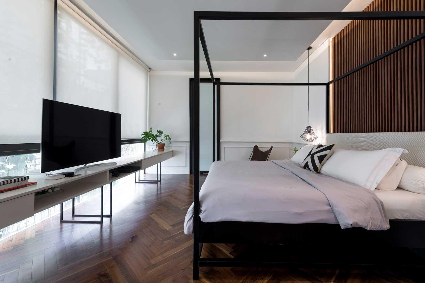 Kamar tidur yang simple namun nyaman (Sumber: arsitag.com)