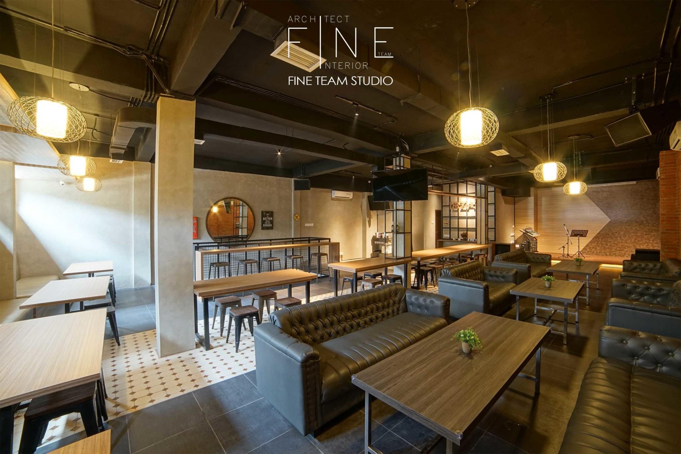 Ibza's Bar & Lounge di Kelapa Gading, Jakarta Utara karya Fine Team Studio tahun 2017 (Sumber: arsitag.com)