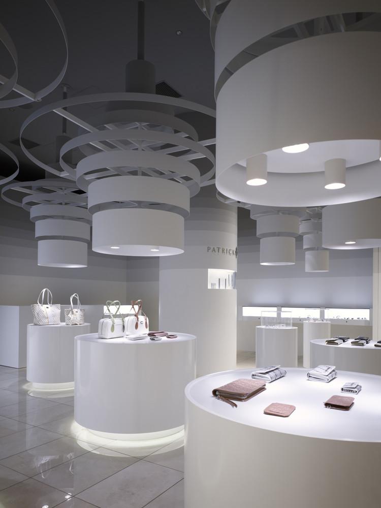 Patrick Cox Shop karya Sinato (Sumber: archdaily.com)