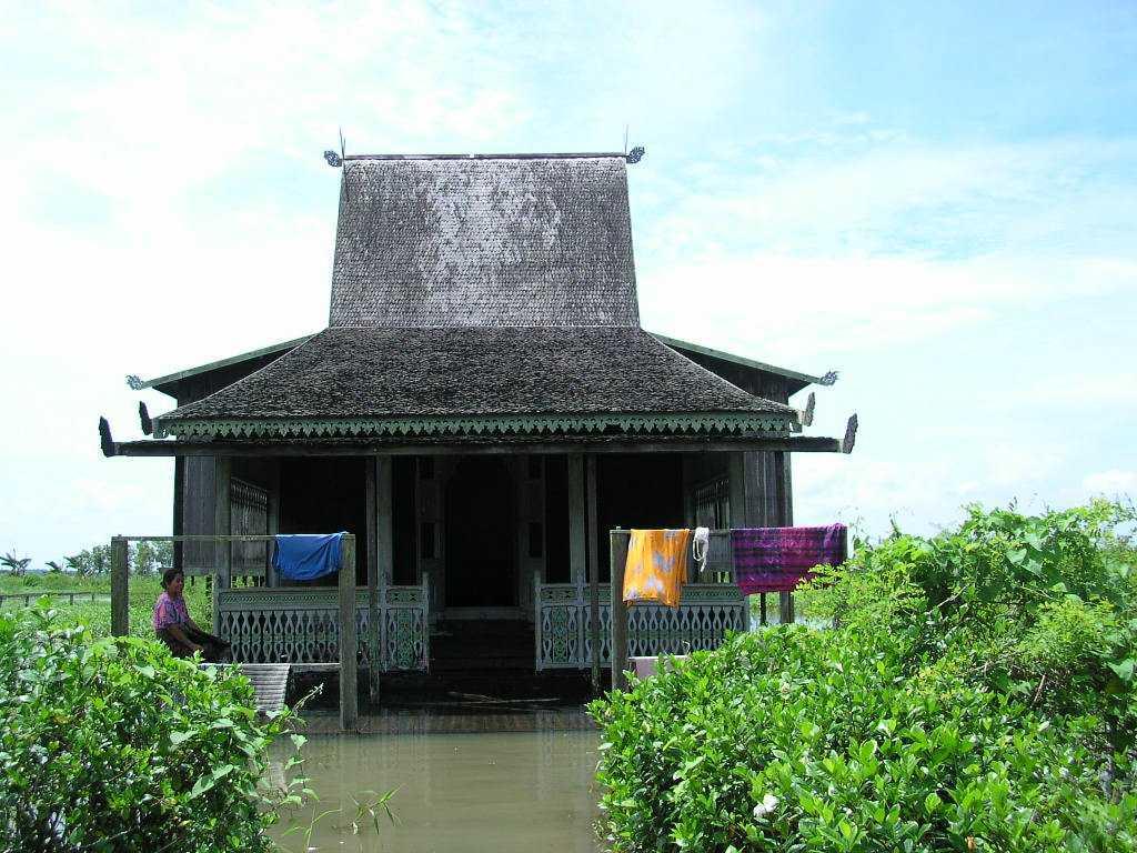 Rumah Baanjung Rumah Tradisional Suku Banjar ARSITAG