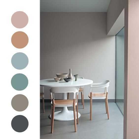 Warna natural. Warna yang sering digunakan pada desain gaya Scandinavia adalah putih, abu-abu, biru, dan krem. Saat ini sudah banyak berkembang penggunaan warna netral lain yang lebih cerah. Hal ini bertujuan untuk membuat ruangan terasa lebih luas, cerah, dan memberikan suasana yang lebih hidup.