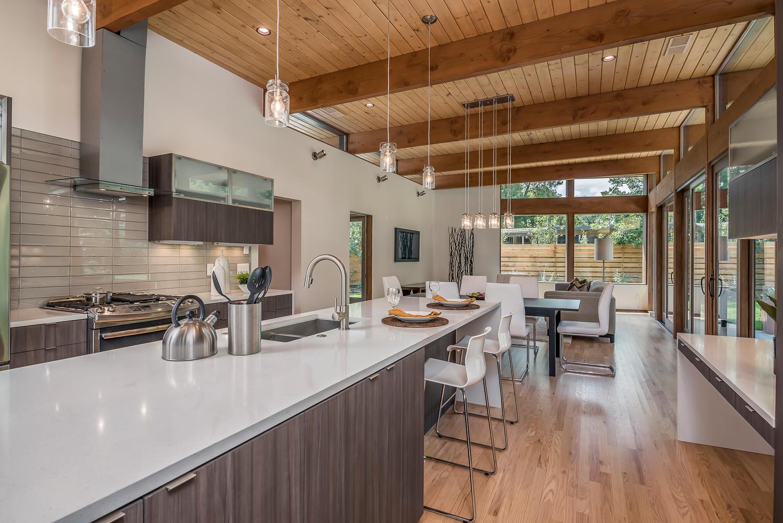 Tampilan Baru Midcentury Modern pada Desain Dapur Anda | Foto artikel Arsitag
