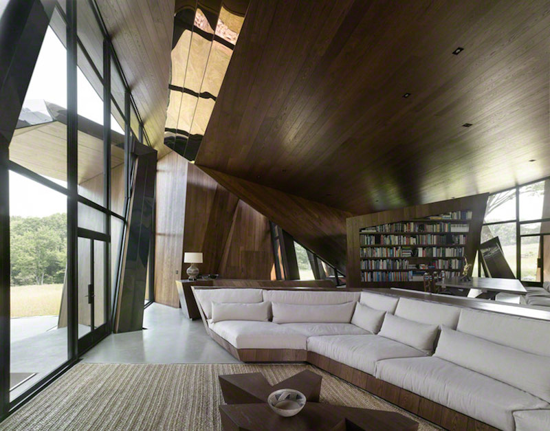 Interior rumah 18.36.54 di Conneticut karya Daniel Libeskind (sumber : the-capsule.com)