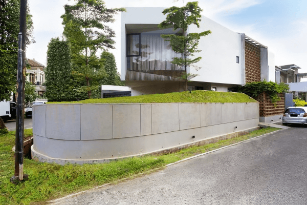 Breathing House: Permainan Ruang Arsitektur Rumah Kontemporer ala Atelier Riri | Foto artikel Arsitag