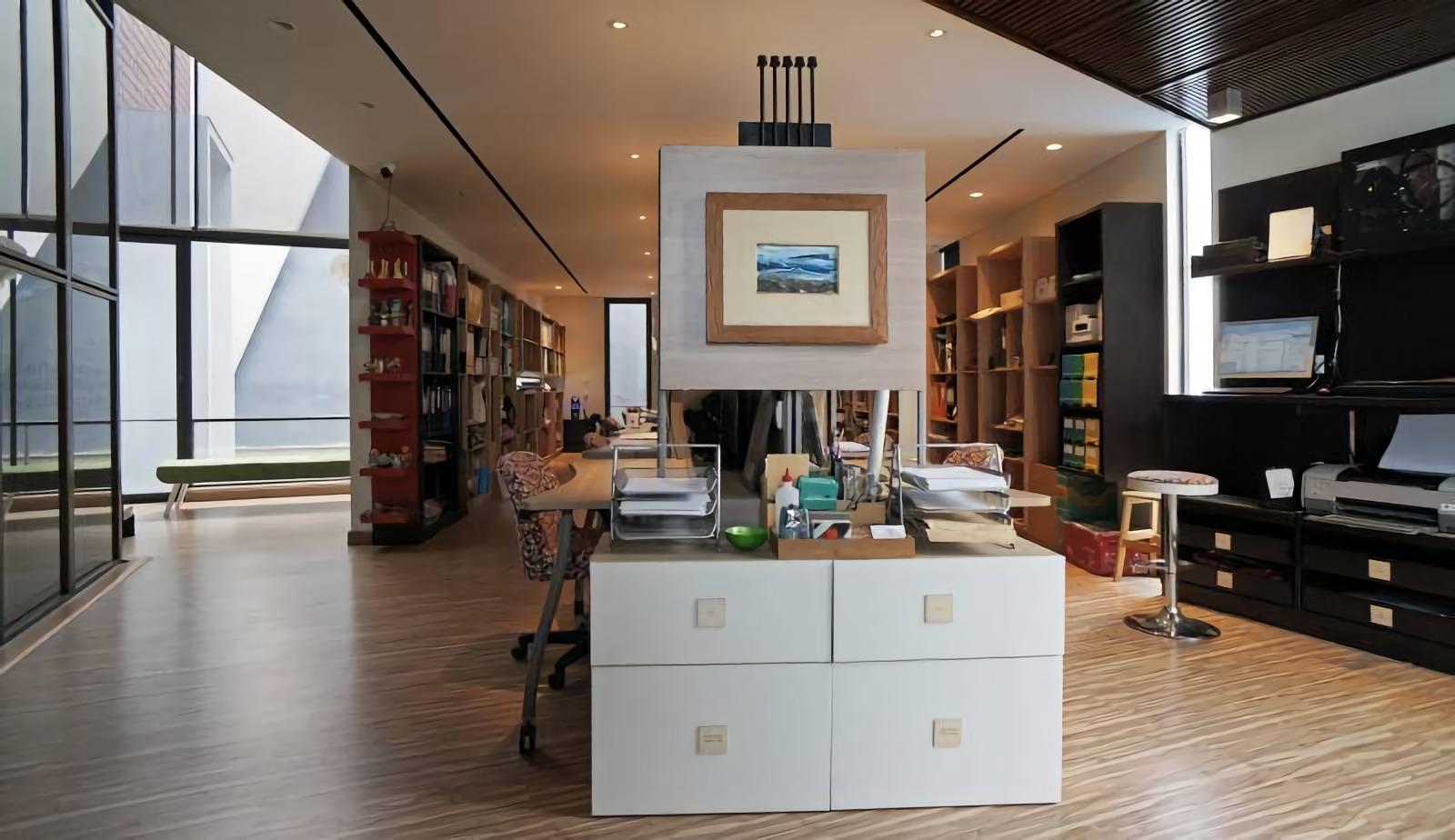 Ingin Tahu Suasana Kantor Arsitek? Yuk, Intip Sonny Sutanto Architect New Office yang Unik Ini | Foto artikel Arsitag
