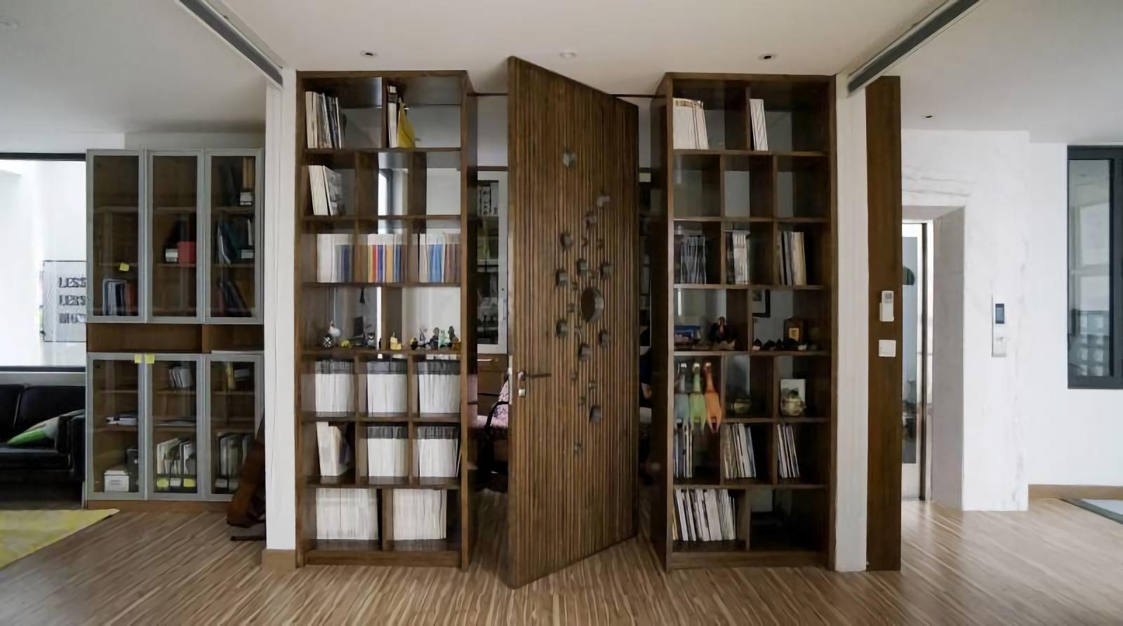 Pintu poros tengah yang artistik, fungsional, dan elegan (Sumber: arsitag.com)