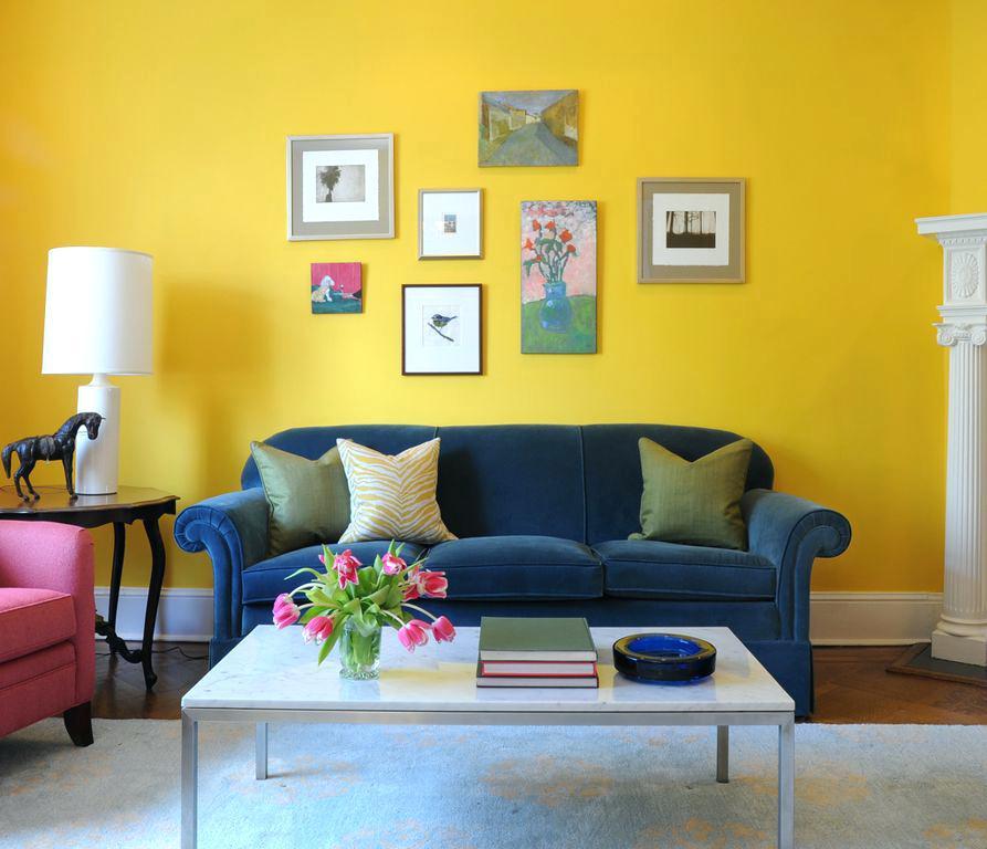 Paduan Warna Kuning dengan Warna Biru