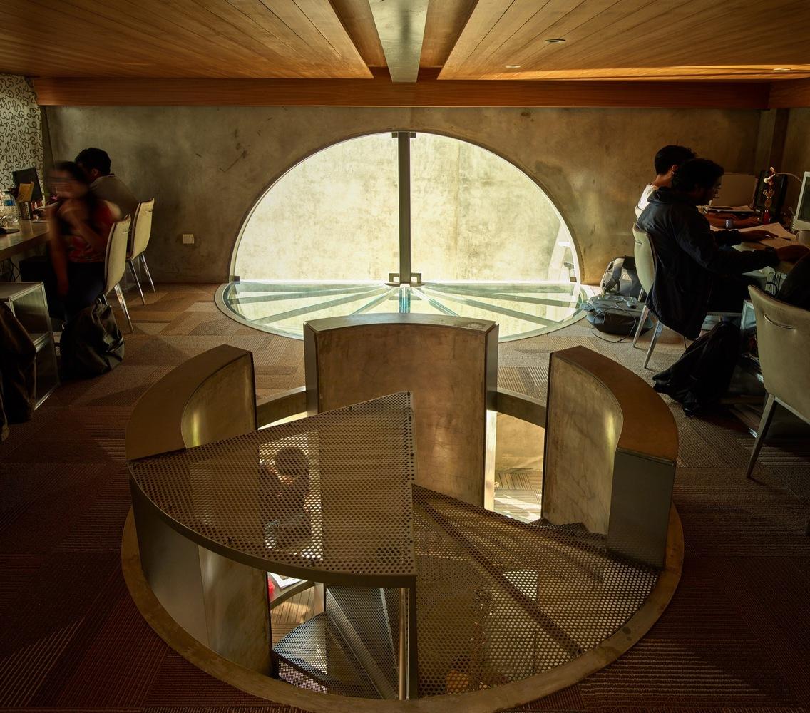 Dimensi kantor arsitek disesuaikan dengan kebutuhan (Sumber: archdaily)