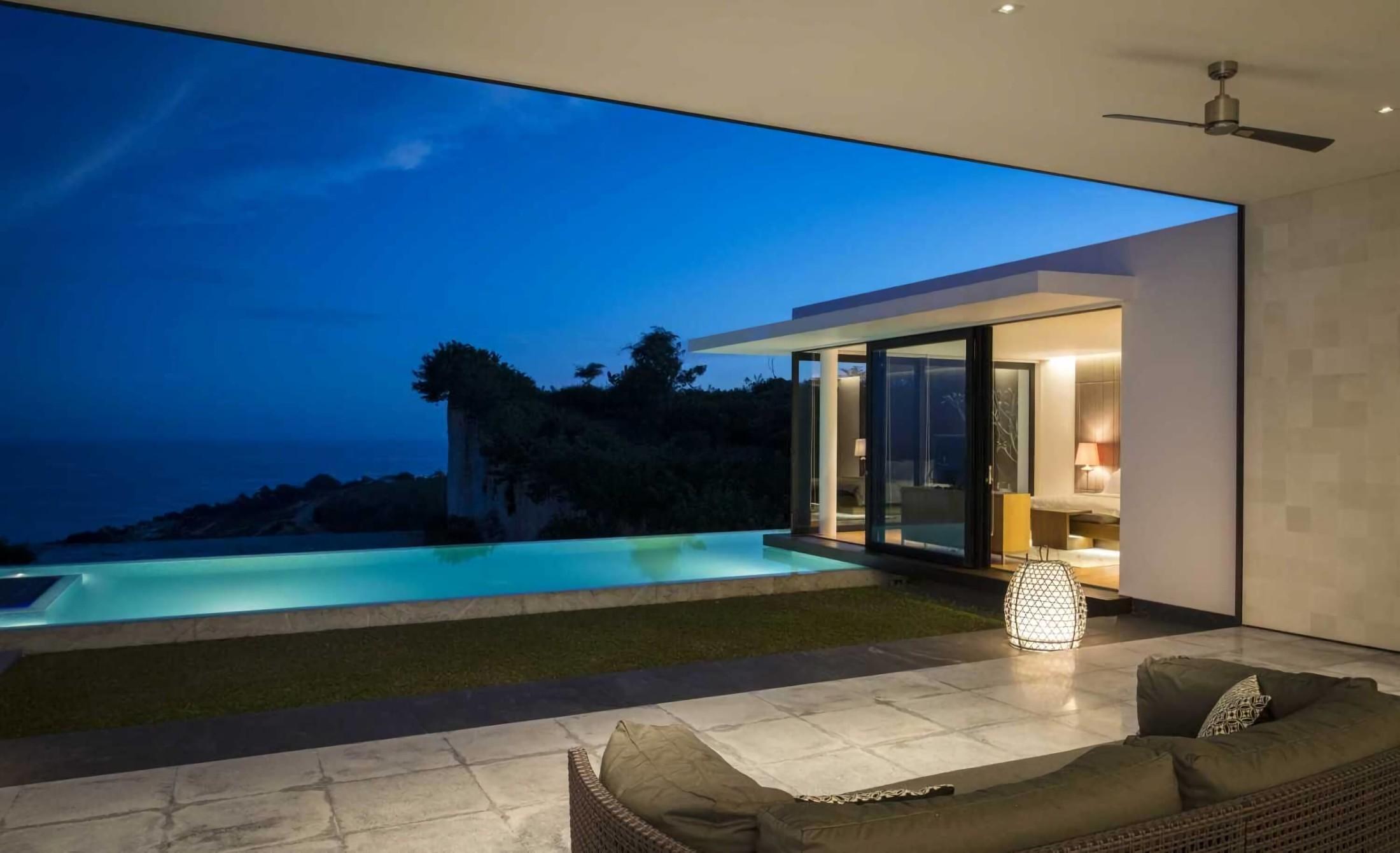 Pemanfaatan kecerdikan teknologi modern pada villa tropis kontemporer dengan identitas lokal (Sumber: arsitag.com)