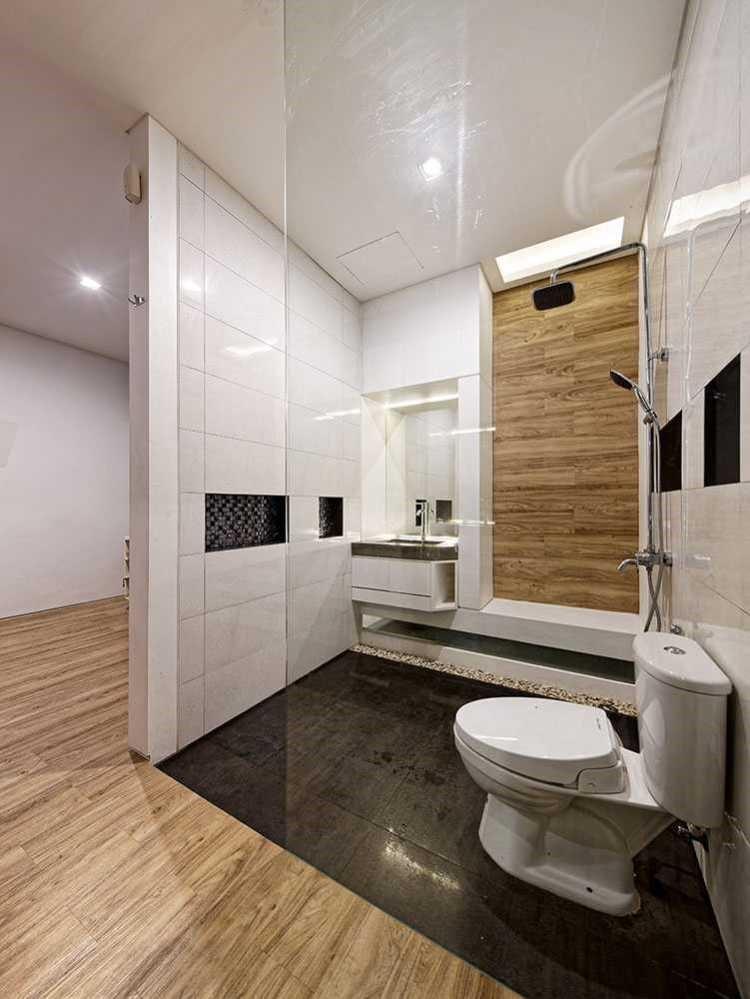 Setiap material harus menonjolkan keasliannya. Jika menggunakan material kayu atau beton, tampilkan sebagaimana adanya. Bila perlu, Anda bisa mengeksposnya dan tidak menyembunyikan atau mengubah material tersebut, namun justru menonjolkannya.