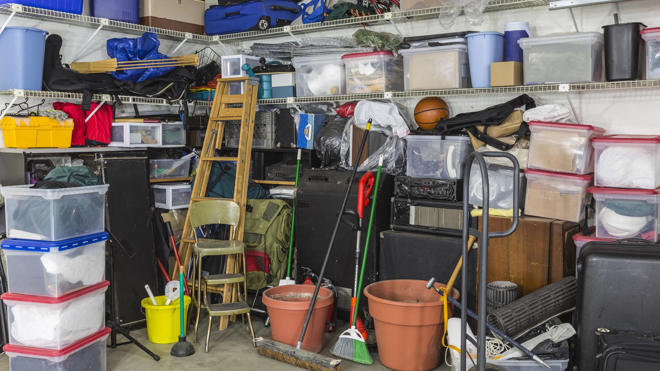 Contoh garasi yang berantakan (Sumber: today.com)