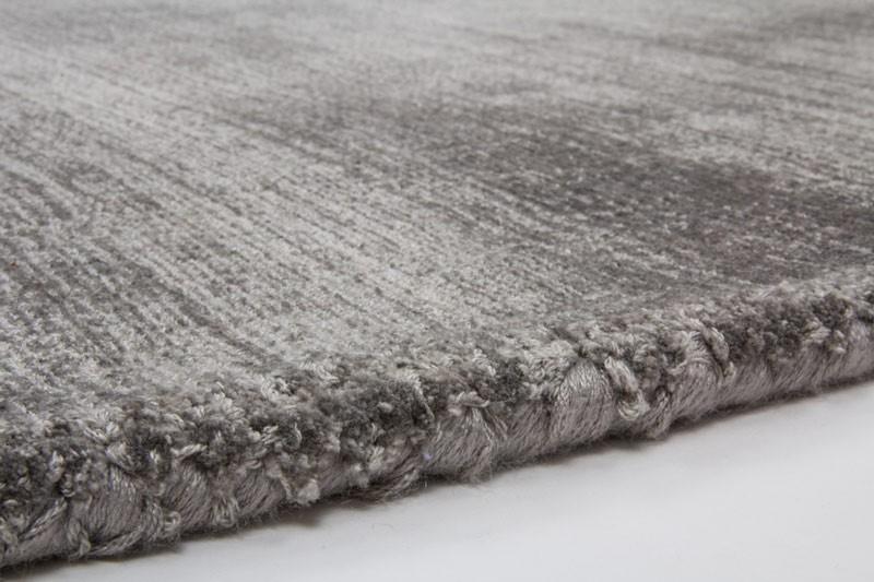 Karpet viscose (Sumber: www.aliexpress.com)