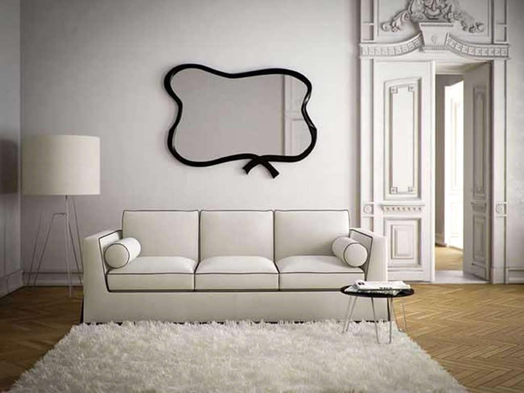 Cermin dengan bentuk tak biasa (Sumber: cfusrug.org)