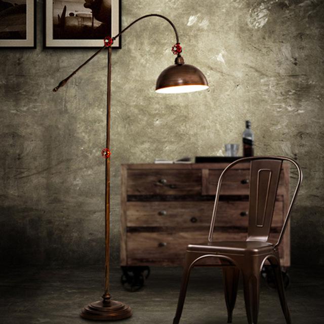 Standing Lamp Bergaya Industrial