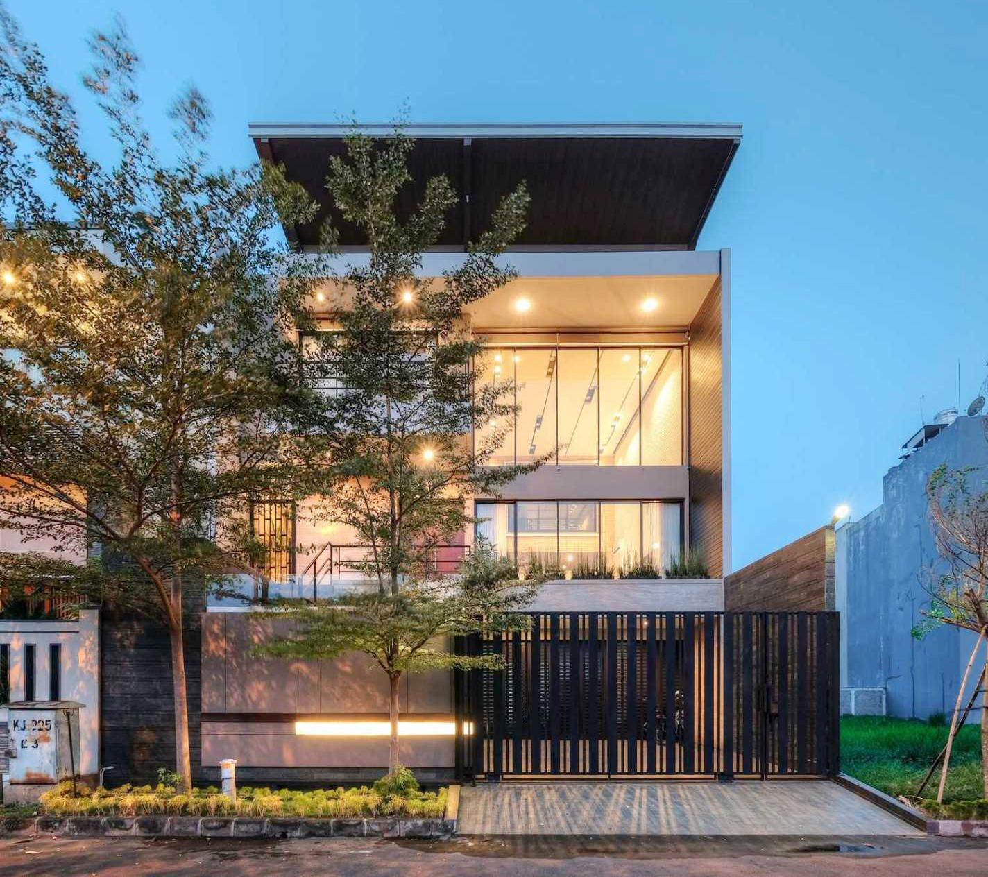 R+E House