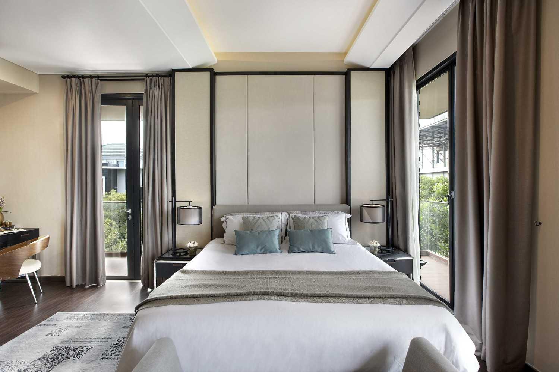 Kamar tidur Villa Indah yang super cosy dan tetap sehat dengan pencahayaan alami (Sumber: arsitag.com)