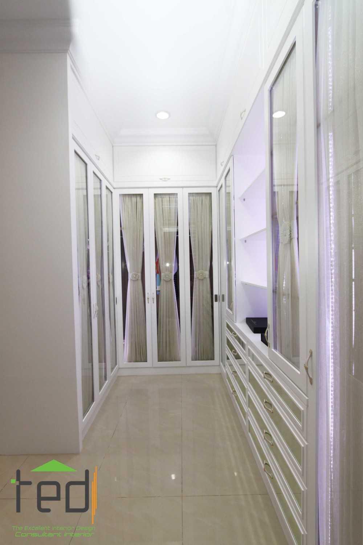 Walet Elok Pik Residence