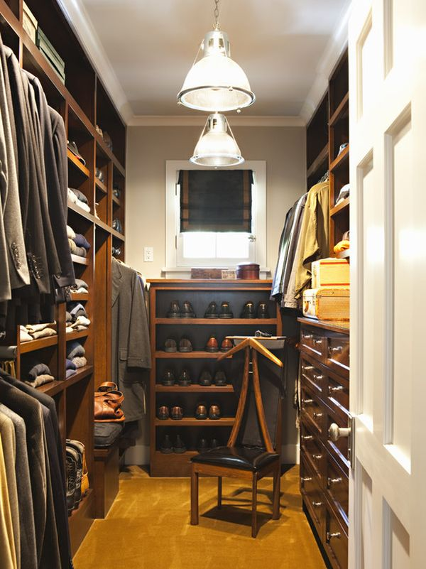 Walk in Closet Bergaya Klasik
