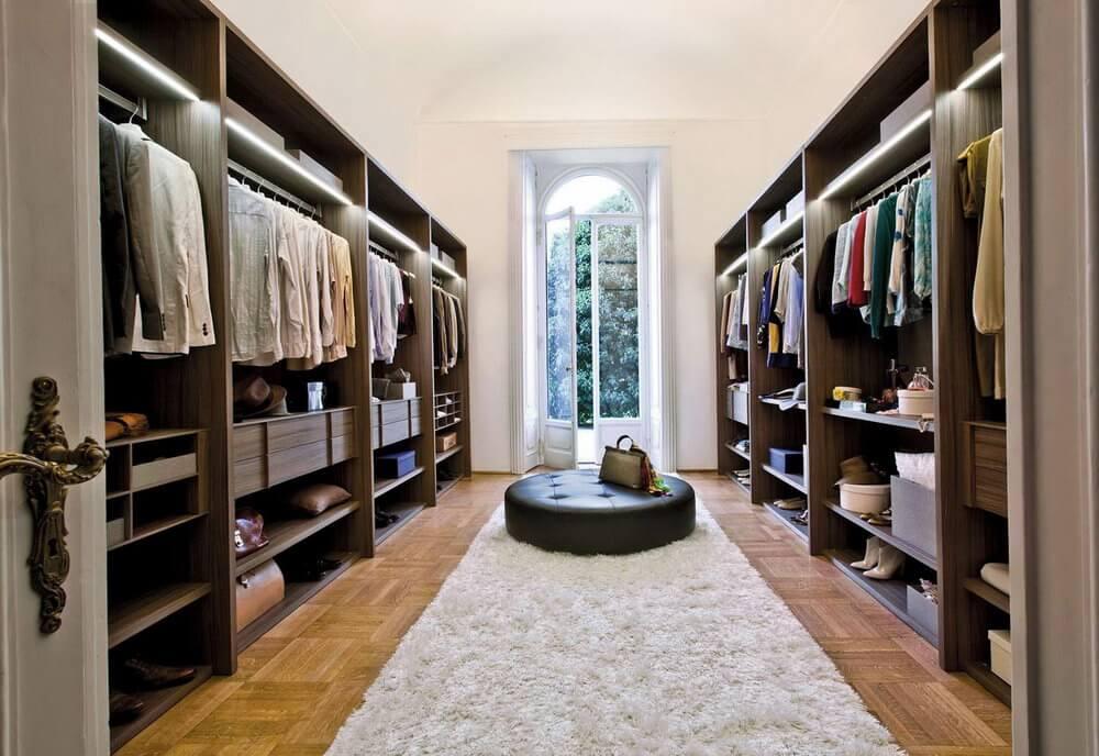 8 Desain Walk in Closet Mewah untuk Kamar Utama yang Penuh Gaya | Foto artikel Arsitag