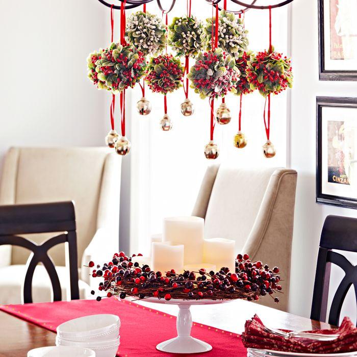 Meja Makan untuk Malam Natal