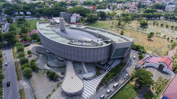 Museum Tsunami di Aceh karya