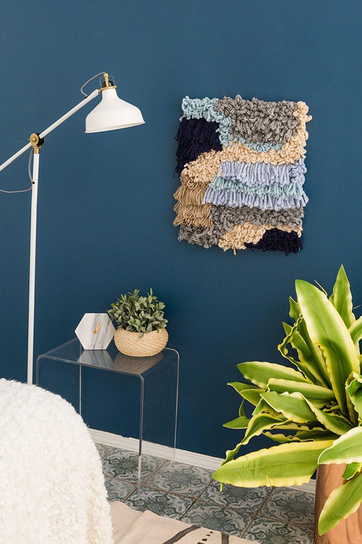 Dekorasi Dinding Sederhana dari Benang Wol