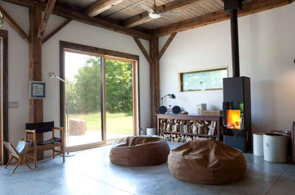 Penggunaan bean bag untuk melengkapi desain interior rumah bergaya country (Sumber: architectureartdesigns.com)