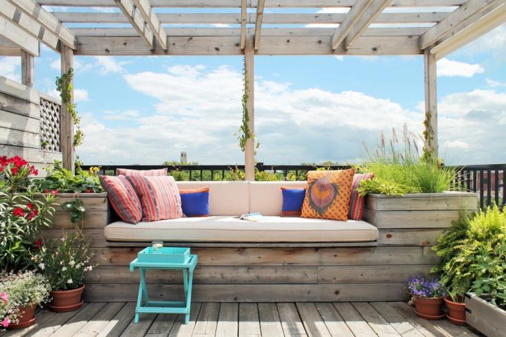 Ruang Santai di Balkon