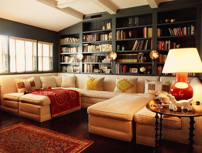 Ruang Santai Bergaya Klasik