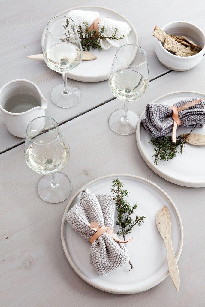 Menata Meja Makan dengan Nuansa Skandinavian