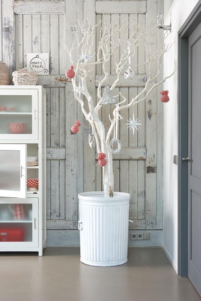 Pohon Natal dari Batang Pohon