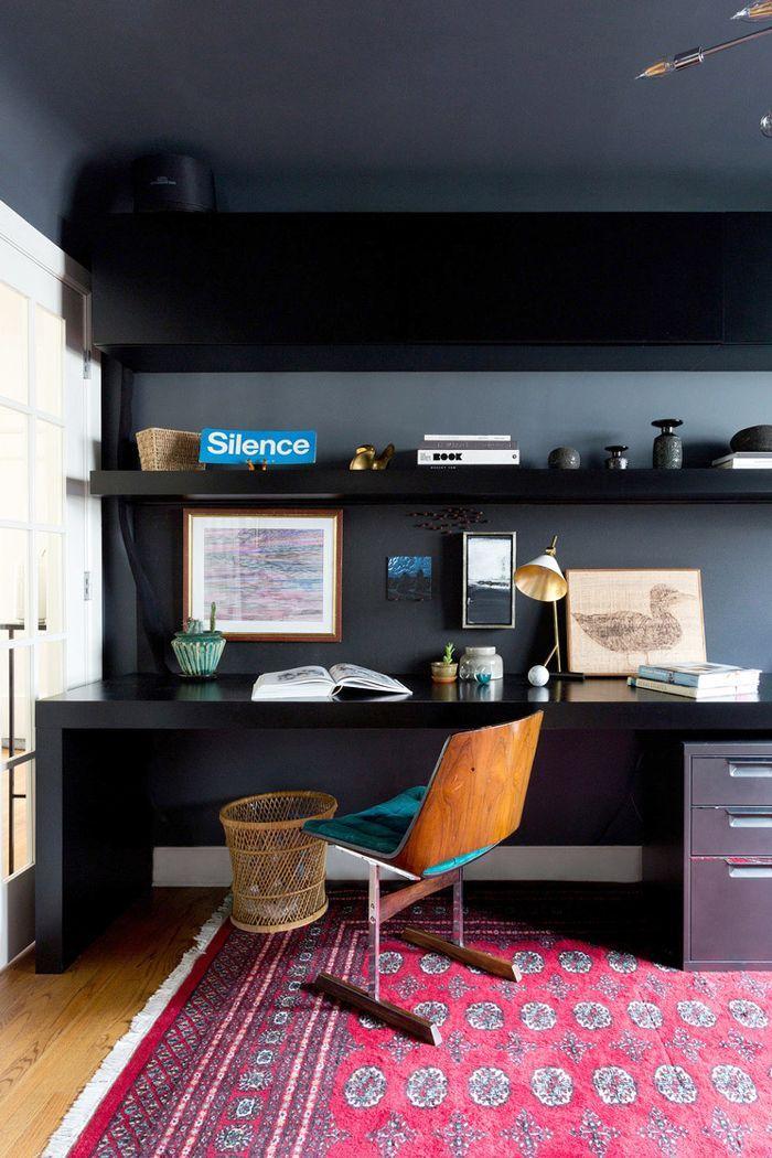 Penggunaan Warna Kontras dalam Desain Ruang Kerja Mini