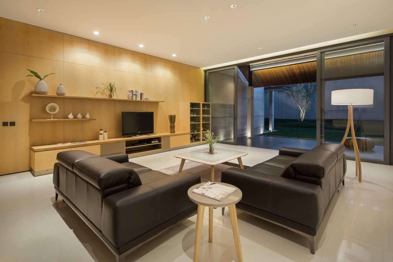 Desain interior minimalis ruang keluarga (Sumber: arsitag.com)