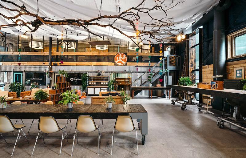 Desain Kantor Coworking Space Penuh Gaya Alternatif Generasi Milenial