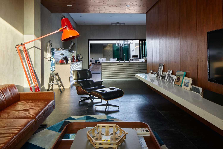 Na Residence: Rumah Kekinian dengan Desain Interior Mid-century Modern yang Elegan | Foto artikel Arsitag