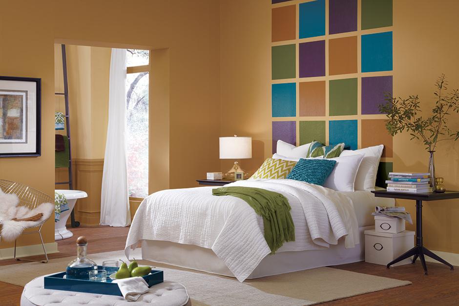 Perpaduan ragam warna customize menciptakan suasana baru yang nyaman di kamar tidur (Sumber: thepaintstudio.com)