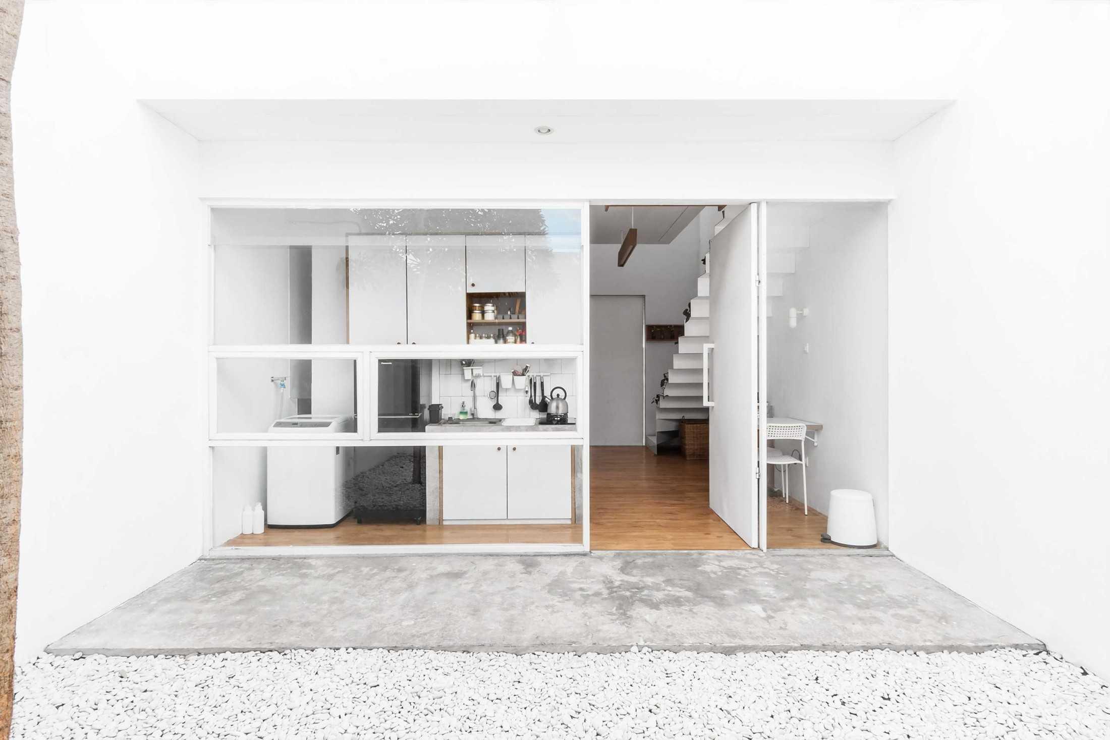 Rumah Minimalis Mungil yang Bertumbuh dengan Terencana (Sumber: arsitag.com)