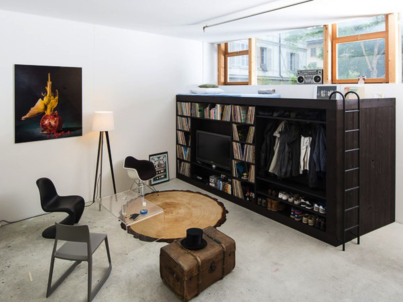 Furnitur multifungsi untuk ruang multifungsi (Sumber: ny.curbed.com)