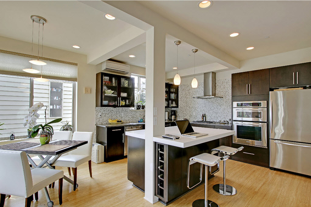 Open-floor plan yang memadukan dapur, ruang makan, dan ruang kerja (Sumber: dafix.ru)