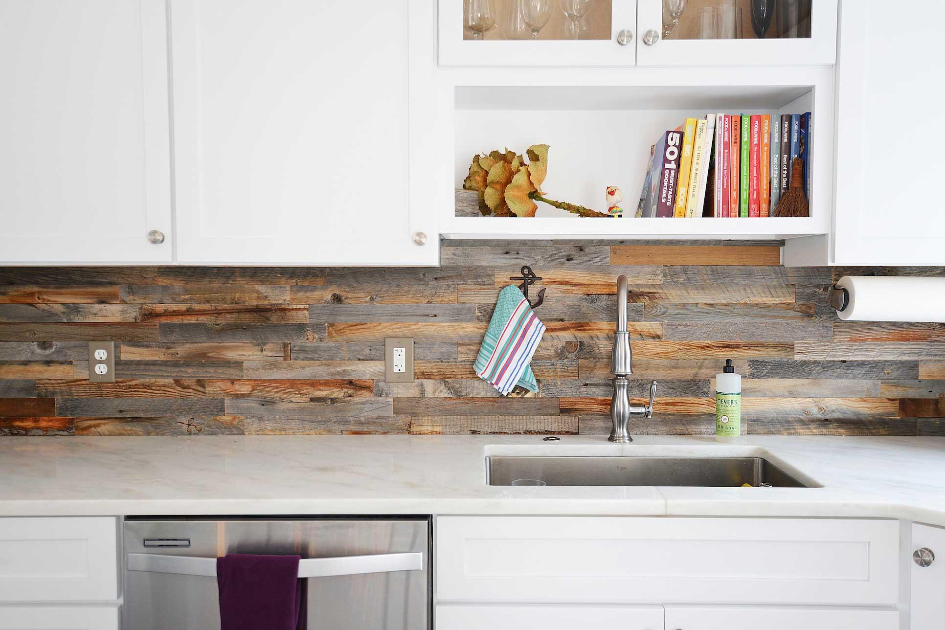 8 Inspirasi Dinding Keramik Backsplash Dapur Keren untuk Rumah Anda