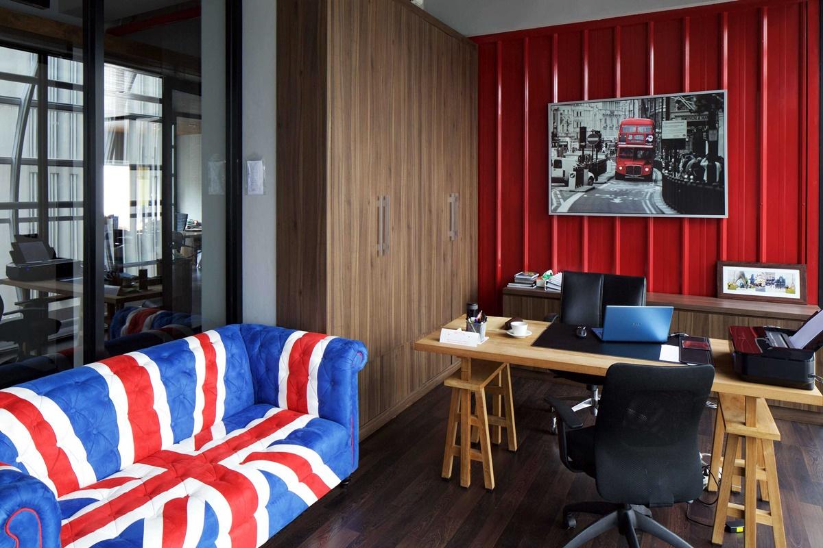 Home office Spektra Solusindo di Tangerang karya VINDATE (Sumber: arsitag.com)