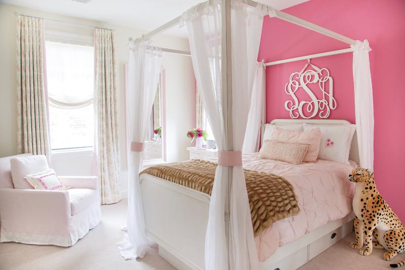 Paduan Pink dengan Putih di Kamar Tidur
