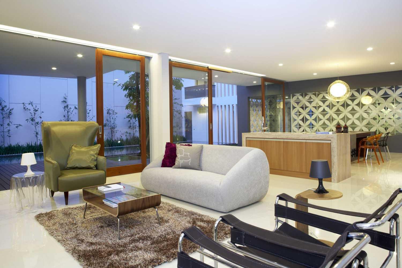 Inspirasi Permainan Warna untuk Ruang Tamu yang Berkesan | Foto artikel Arsitag