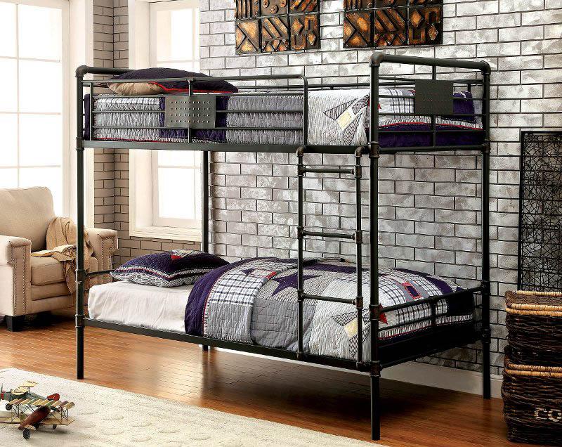 Tempat tidur tingkat metal bergaya industrial (Sumber: rcwilley.com)