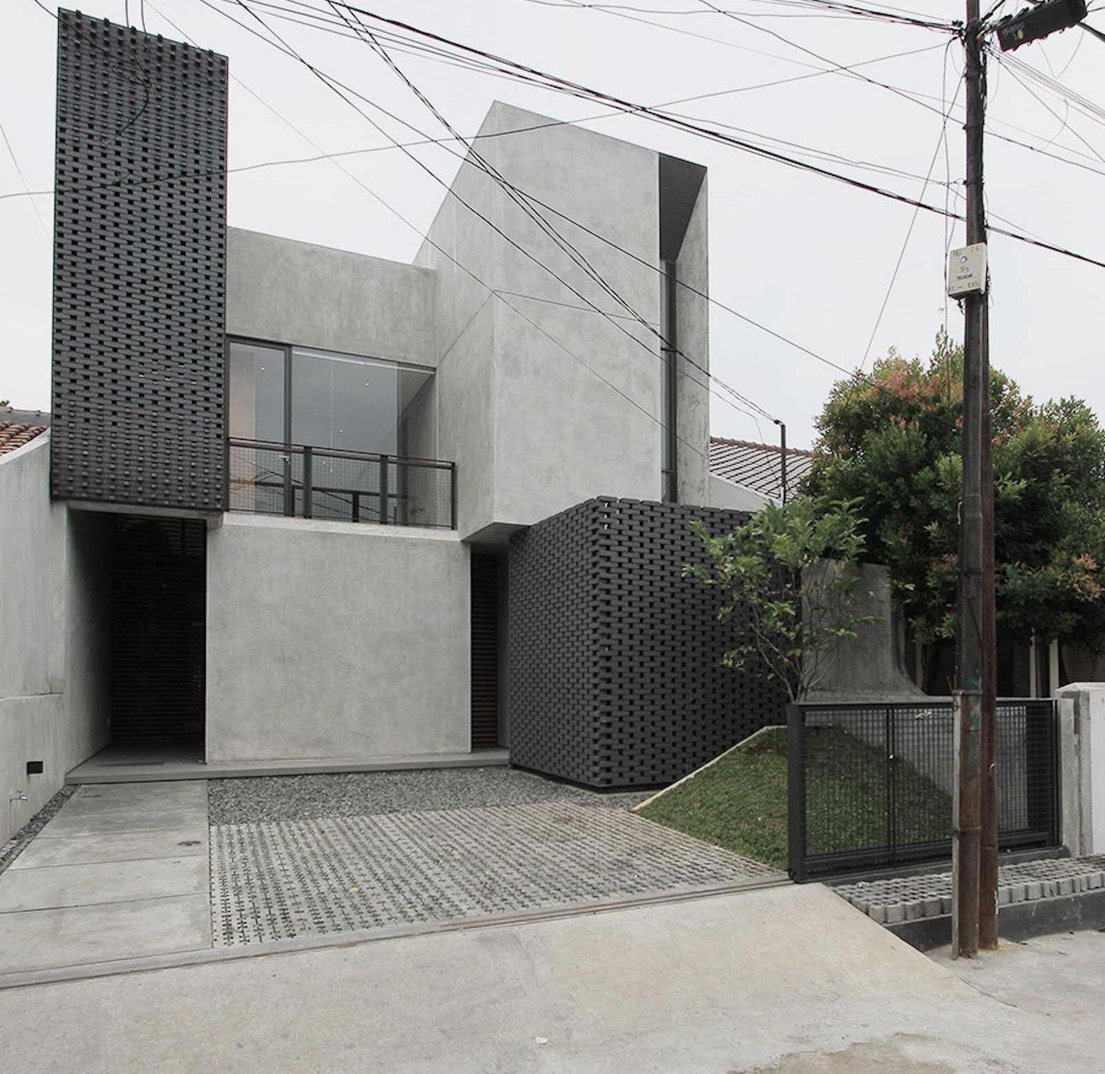 Façade Rumah Sela, Rumah Minimalis dengan Permainan Garis dan Geometri yang Cantik (Sumber: arsitag.com)