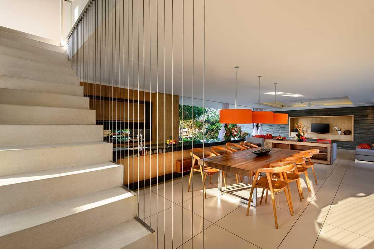 Villa Tropis Minimalis dengan Konsep Open-Plan, Aurora Villa di Bali, karya Beni Sabara, tahun 2012 (Sumber: arsitag.com)