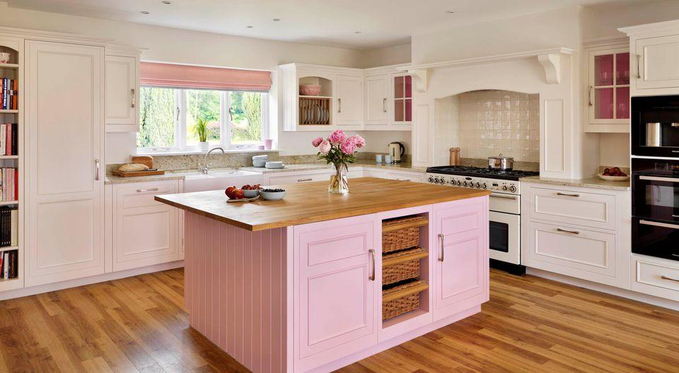 Kitchen Island Pink yang Memberikan Sentuhan Unik
