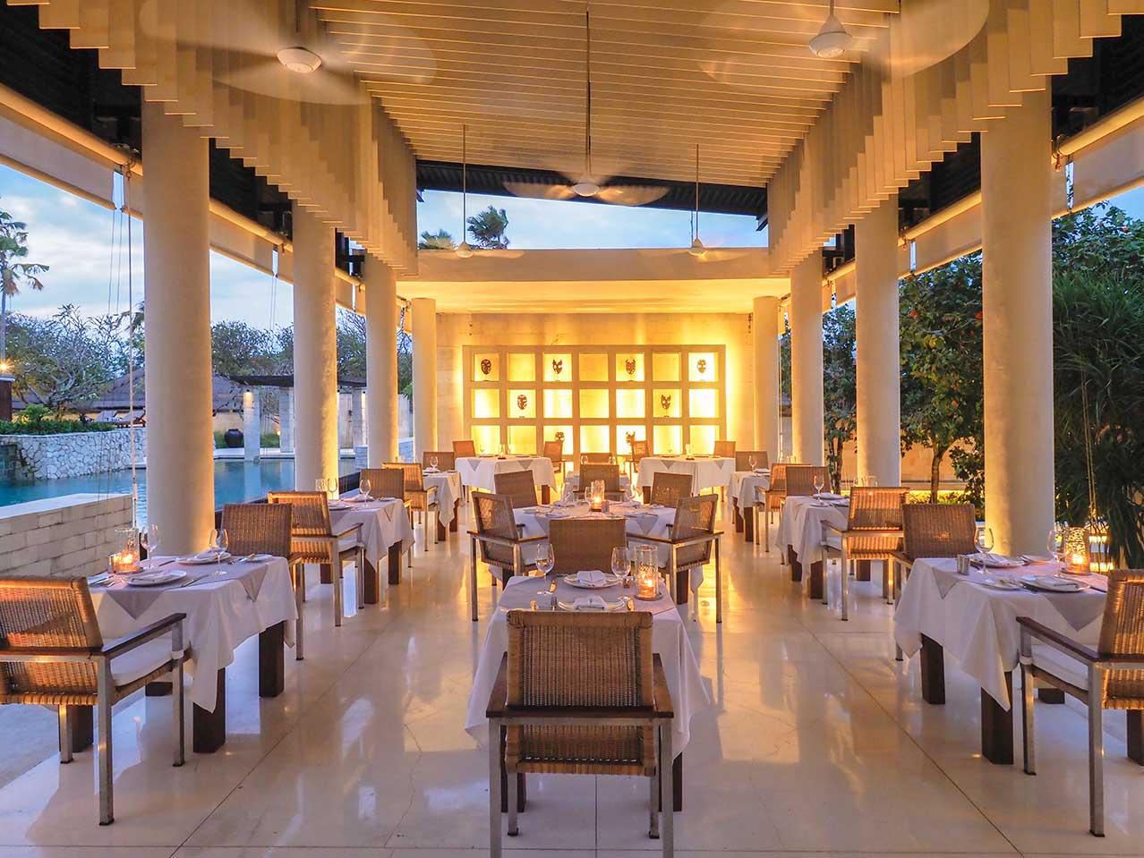 Faces Restaurant, resto fine dining dengan konsep terbuka (Sumber: thebale.com)